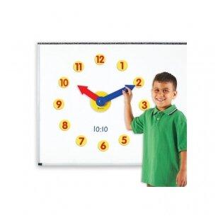 Magnetinis laikrodis su rodyklėmis