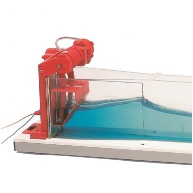Vandens bangų simuliatorius 2